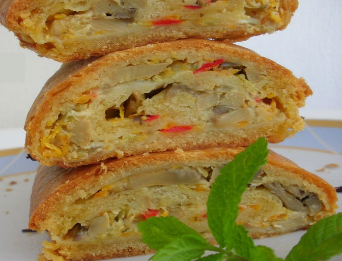 Συνταγή: Μανιταρόπιτα φανταστική σε ρολό με ζαμπόν και κρέμα 4 τυριά!