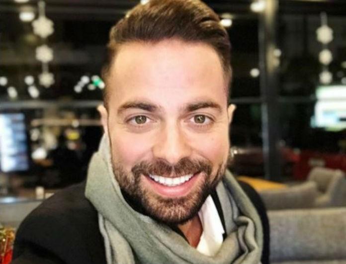 Ηλίας Βρεττός: Στέκεται ξανά στα πόδια του ο τραγουδιστής μετά το τροχαίο! Η φωτογραφία μέσα από το νοσοκομείο!