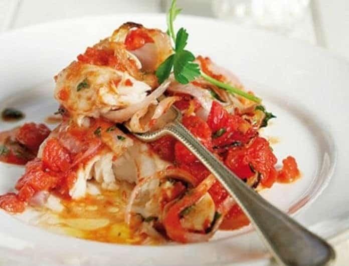 Συνταγή με άρωμα θάλασσας: Μπακαλιάρος πλακί στο φούρνο!