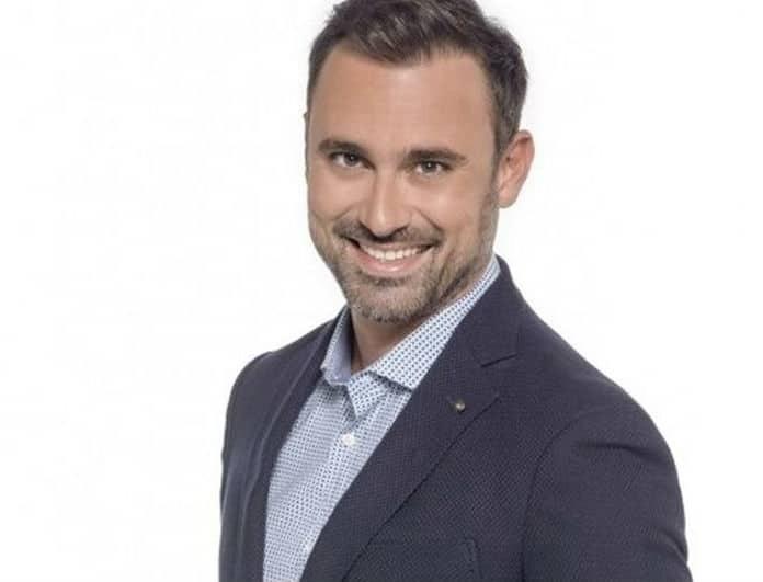 Ο Γιώργος Καπουτζίδης εγκαταλείπει την τηλεόραση για το σινεμά ή το θέατρο.