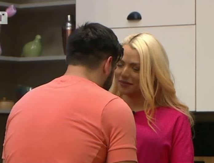 Power Of Love: Και επίσημα ζευγάρι ο Πάνος και η Στέλλα! Τα φιλιά στις κάμερες και το πρώτο φιλί... Παναγιώτη - Άννας! (Βίντεο)