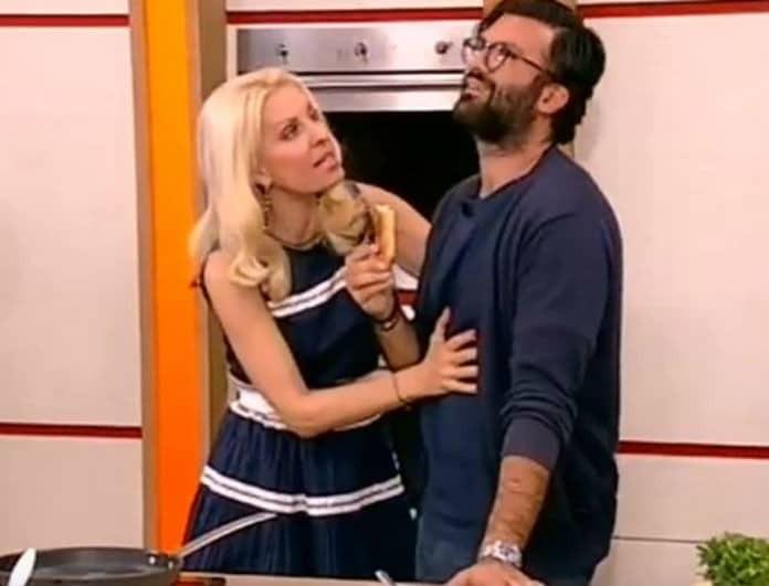 Αδιανόητη αποκάλυψη από την Ελένη Μενεγάκη: «Με έπιασε ο Μάκης να μαγειρεύω στις 23.00 και μου είπε...»