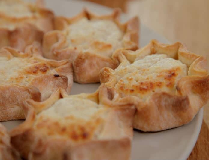 Μελιτίνια Σαντορίνης: Μια αυθεντική παραδοσιακή συνταγή για το Πάσχα που θα αγαπήσουν μικροί μεγάλοι!