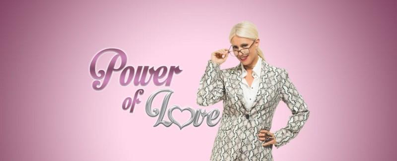 Power of Love  Δείτε την Τζούλια πριν τις πλαστικές και με ξανθό ... e21c8e38c29