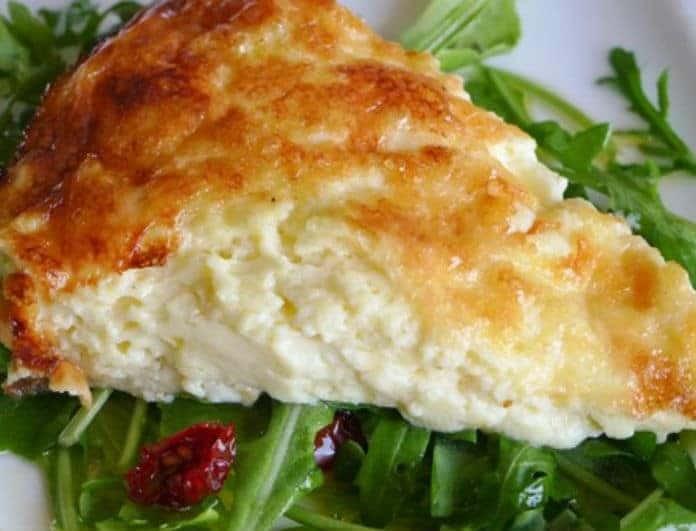 Γρήγορη και νόστιμη τυρόπιτα χωρίς φύλλο!