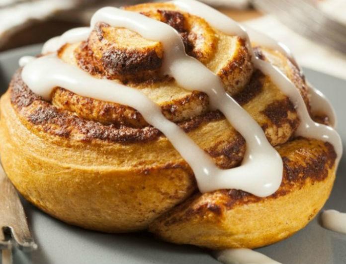 Φτιάξε μόνη σου ζεστά και λαχταριστά cinnamon rolls!