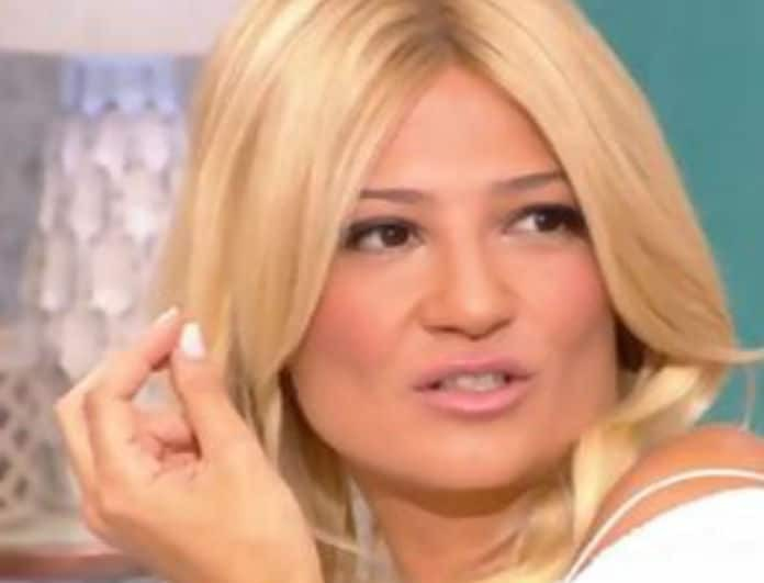 Κάγκελο η Φαίη Σκορδά! Πασίγνωστη τραγουδίστρια αποκάλυψε πως έχει χαστουκίσει τον άντρα της! (Βίντεο)